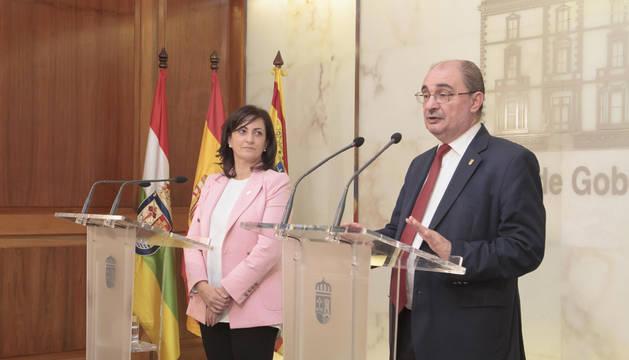 La presidenta del Gobierno de La Rioja, Concha Andreu, y el presidente del Gobierno de Aragón, Javier Lambán, ofrecen una rueda de prensa tras su reunión bilateral.