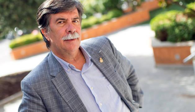 El estellés Javier Urra, de 62 años, ha escrito más de cincuenta libros.