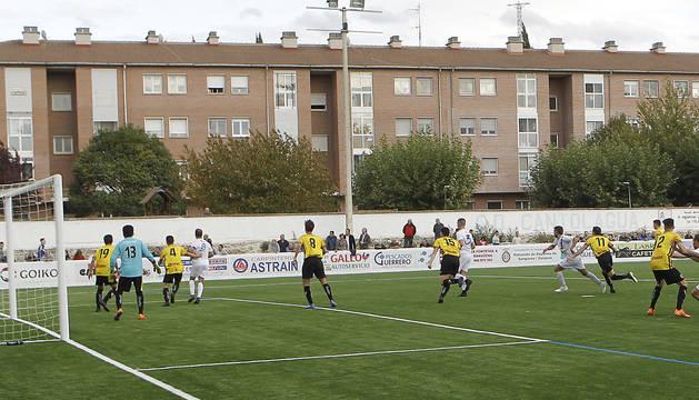 El Cantolagua estrenó el nuevo campo de hierba artificial de Sangüesa en octubre ante el Zirauki y con victoria.