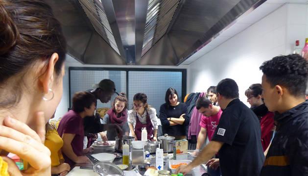 Recetas para una gastronomía tranquila y sostenible en la Casa de la Juventud