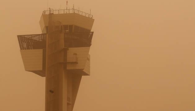 Cerrados los aeropuertos de Canarias por la calima
