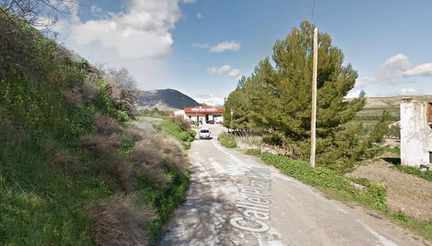 Calle Calvario de la localidad granadina de Dehesas de Guadix donde ocurrió el vuelco del tractor que le costó la vida a un hombre de 55 años.