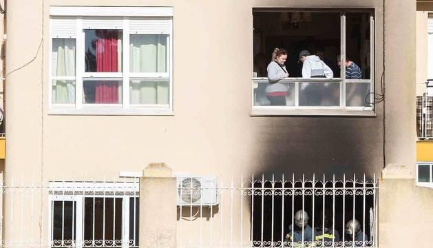 Incendio en la calle Muros de San Fernando (Cádiz) en el que han fallecido dos personas.