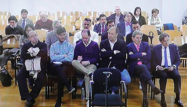 foto de Los acusados del Caso Osasuna, durante la presentación de conclusiones.