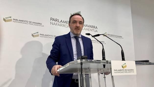 El Parlamento pide a la presidenta de Madrid, Díaz Ayuso, una rectificación