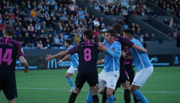 foto de Un momento del partido que enfrentó a la U.D. Ibiza y al Sporting B