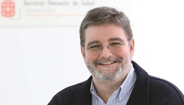 Foto de Alfredo Martínez Larrea, director gerente del Complejo Hospitalario de Navarra.