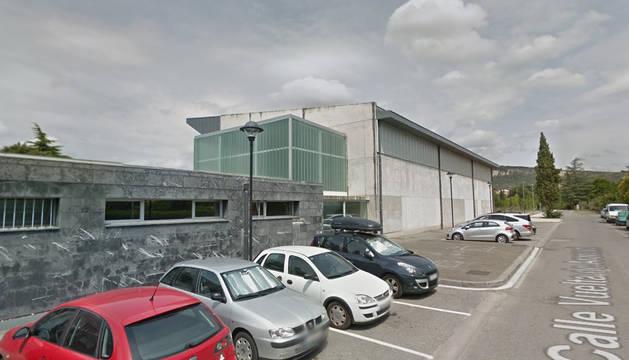 Foto de la entrada al complejo deportivo de Aranzadi.