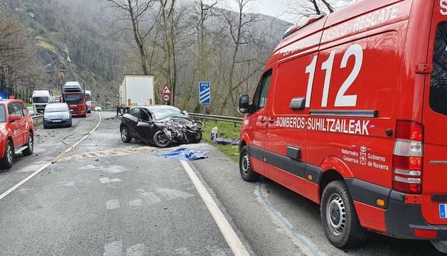 Un fallecido en la colisión entre un coche y un camión en la N-121-A a la altura de Bera
