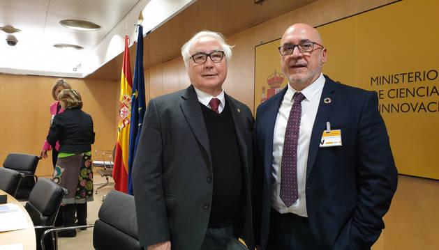 Foto del ministro Castells y el consejero Cigudosa.
