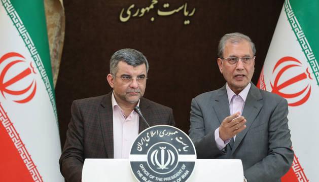 foto de El viceministro iraní de Salud, Iraj Harirchi (izquierda) es uno de los contagiados de coronavirus