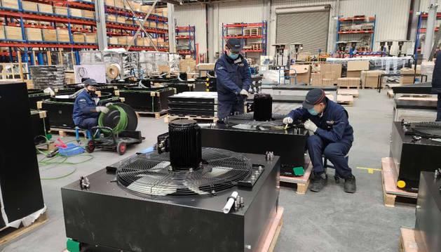 Foto del interior de la fábrica de Fluitecnik en China.