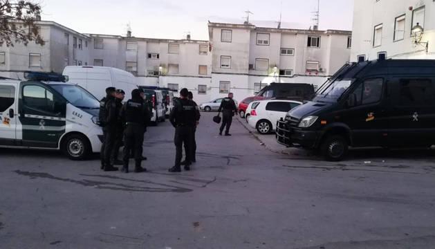 La Guardia Civil despliega 200 agentes en Barbate en una operación antidroga
