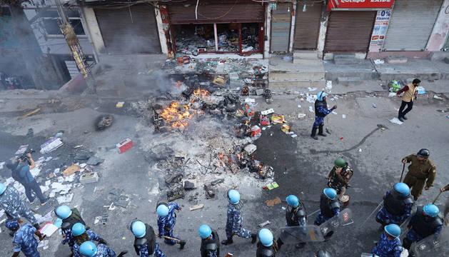 Violentas protestas en Nueva Delhi durante la visita de Trump a La India