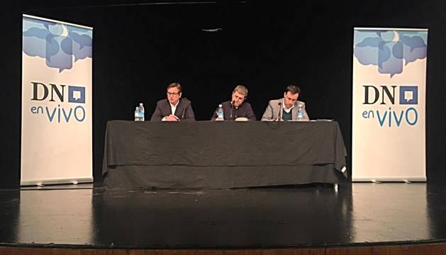 Pedro Andrés López Vera (director general de Obras Públicas),  Juan Carlos Unanue (alcalde de Igantzi) e Ignacio Orradre (Anet).