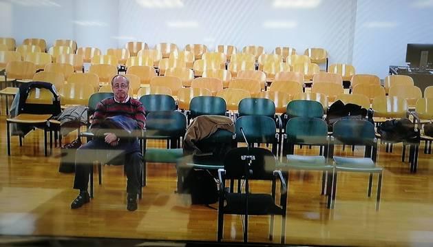 SOLO. Imagen tomada de la pantalla de la sala de prensa de la Audiencia Provincial de Navarra.