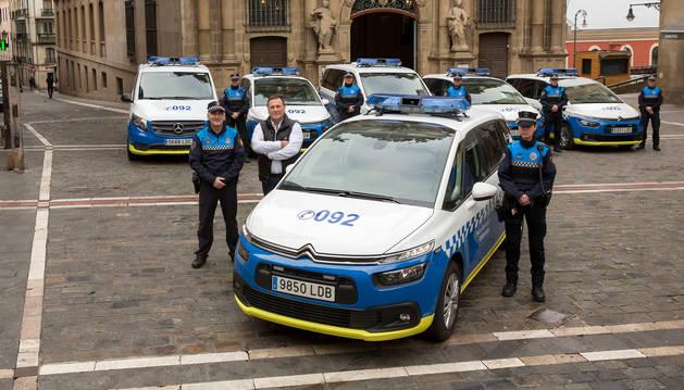 Foto de la presentación de los seis nuevos vehículos de Policía Municipal.
