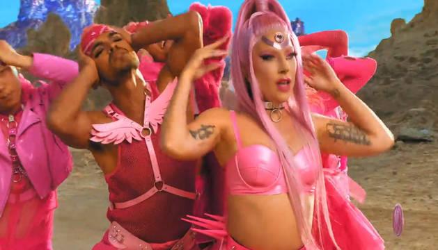 Foto del videoclip de la nueva canción de Lady Gaga, 'Stupid Love'.