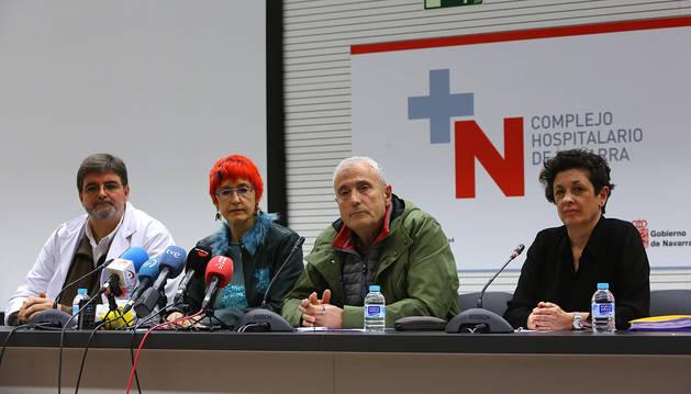 Foto de Alfredo Martínez, Santos Induráin, Carlos Artundo y Mª Ángeles Nuin, en la rueda de prensa tras el primer caso de coronavirus en Navarra.