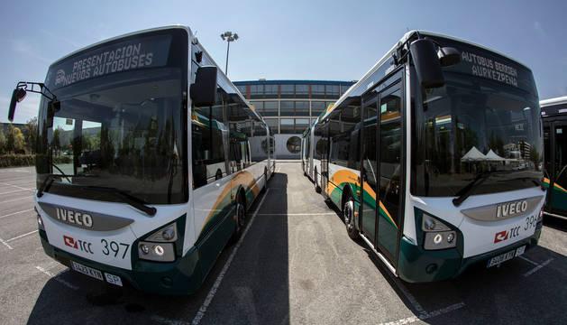 Foto de la presentación de los nuevos autobuses para la flota en julio de 2019.