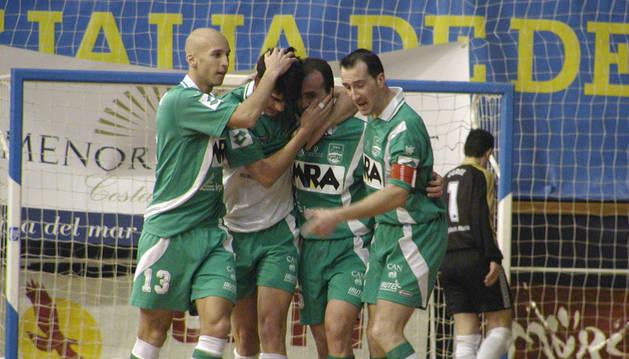 El MRA Xota, con jugadores como Passarinho o Javi Eseverri, disputó la primera Copa de España para el club de Irurtzun en 2002. La competición se disputó en Valencia. Cayó en cuartos ante el Caja Segovia.