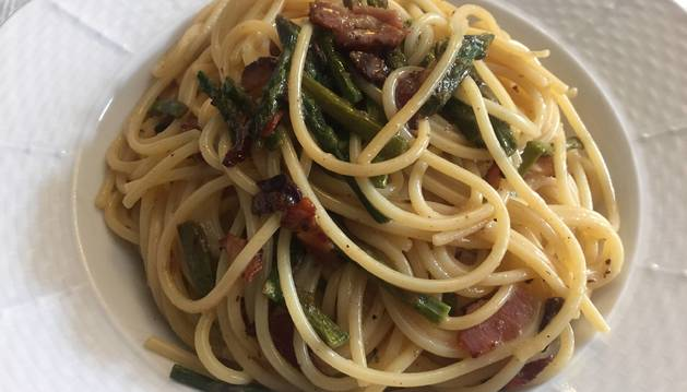 Una demostración más de que los espaguetis quedan bien con todo.