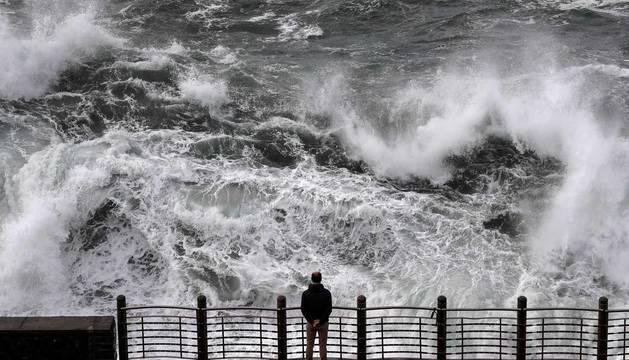 Fotos del temporal en San Sebastián, este martes 3 de marzo