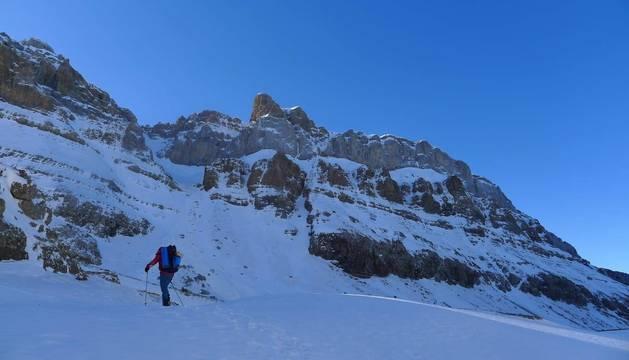 Llegando al 'vivac' en la salida para escalar en los Campaniles.