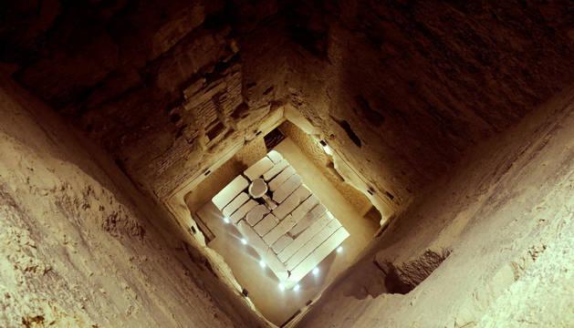 Vista de la cámara de enterramiento de la pirámide de Zoser.