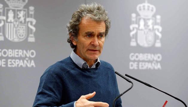 foto de El director del Centro de Coordinación de Alertas y Emergencias Sanitarias, Fernando Simón, durante la rueda de prensa