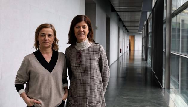 Foto de la gerente de Salud Mental, Begoña Flamarique, y la jefa de servicio del área de Recursos Intermedios, Adriana Goñi.
