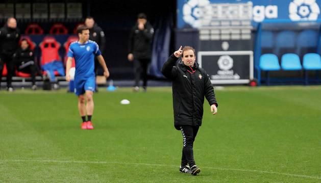 Jagoba Arrasate dirige el entrenamiento del C.A. Osasuna este sábado, 7 de marzo, en el estadio de El Sadar.