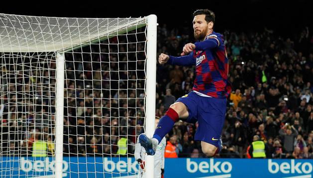 Leo Messi celebra el tanto anotado de penalti que le dio los tres puntos al Barça contra la Real Sociedad.