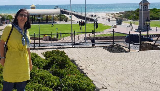 Foto de Cruz Izu Belloso,  en Semaphore Beach, playa de Adelaida.