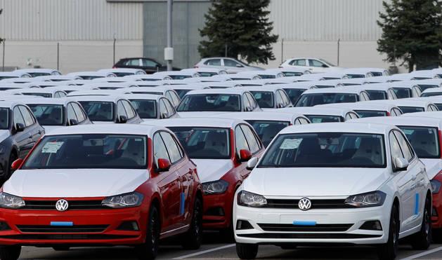 Foto de unidades de Volkswagen Polo, en la explanada de Landaben.