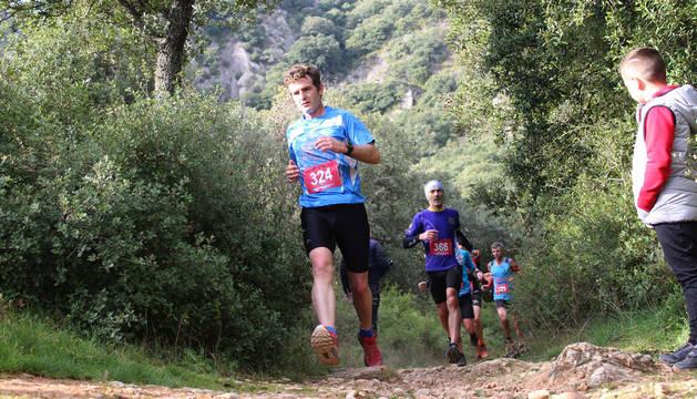 Foto de un grupo de corredores, en la Jurramendi Trail Montejurra de 2019.