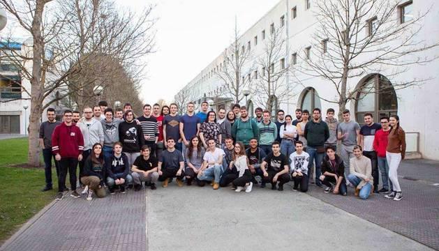 Foto de los participantes de la UPNA en el desafío internacional de Google.