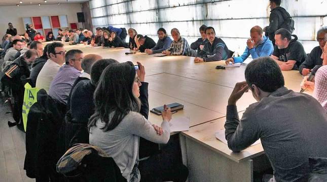 Foto de una reunión de la Mesa de los Sanfermines de la pasada legislatura.