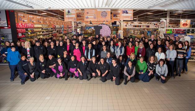 E.Leclerc Pamplona realiza una concentración para celebrar el Día de la Mujer