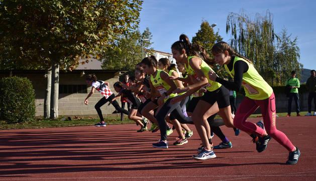 Foto de una prueba de atletismo de los Juegos Deportivos de Navarra.