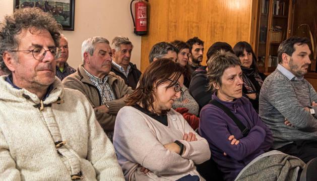 Foto de algunos de los asistentes que acudieron al encuentro de DN en Vivo en el Hostal Irigoyen de Zudaire.