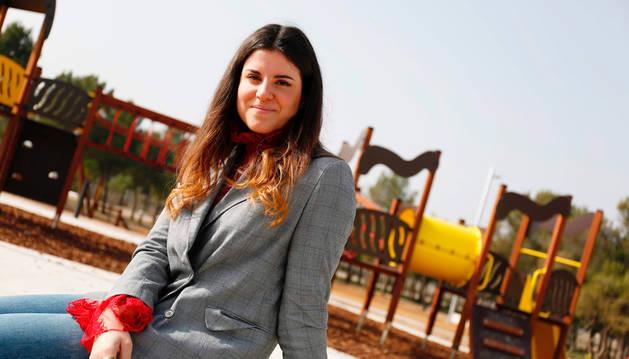 Foto de Irene Ruiz Rodríguez, en el Parque del Mirador de Ribaforada, su localidad natal.