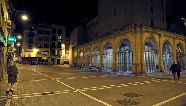 Primer sábado sin gente en el Casco Viejo de Pamplona debido al decreto del estado de alarma por parte del Gobierno por las crisis de coronavirus