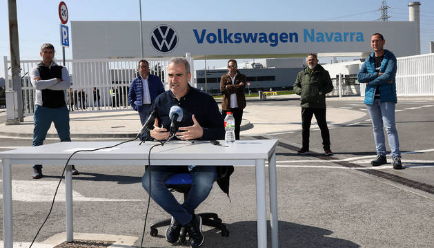 Foto de la rueda de prensa del comité de Volkswagen Navarra.