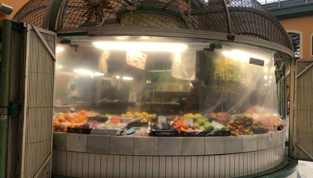 Foto dle puesto de fruta en el Mercado de Santo Domingo.