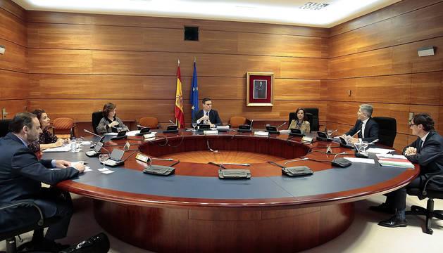Foto del presidente del Gobierno, Pedro Sánchez en la reunión del Consejo de Ministros en el palacio de la Moncloa este martes.