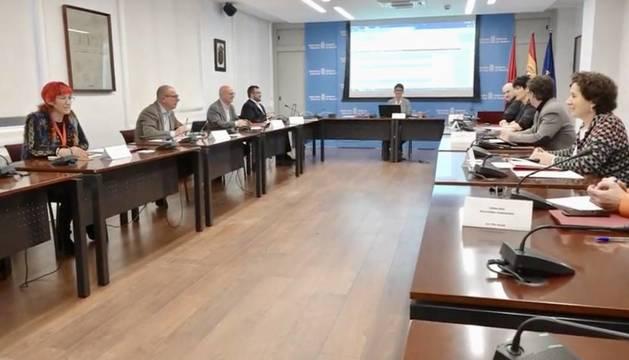 El Gobierno de Navarra ultima un primer paquete de medidas por el coronavirus
