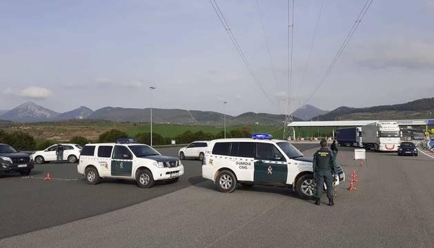 foto de Control de la Guardia Civil recordando que los viajes no están permitidos