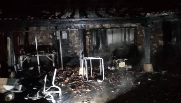 Arde un porche y un tejado de una vivienda de Eulz (valle de Allín)