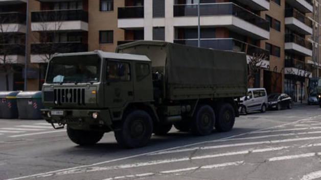A la capital ribera han llegado 28 efectivos a bordo de tres camiones y tres Land Rover para ayudar en las labores de vigilancia.